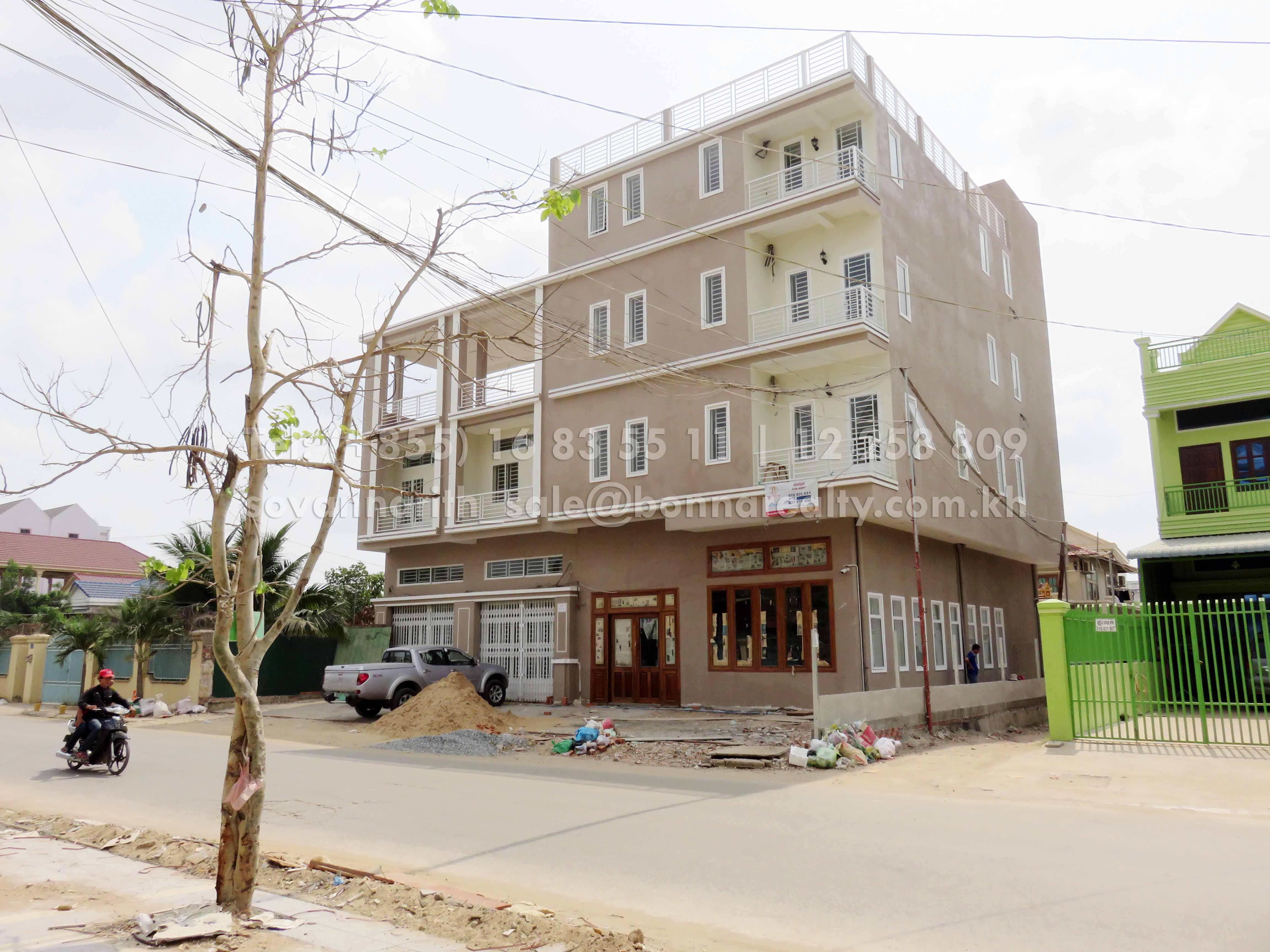 Apartment building and villa in Phnom Penh Thmey for rent